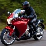 moto-honda-vfr-1200f