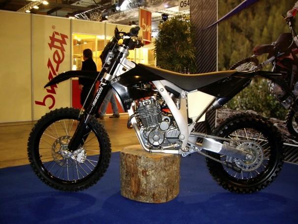 Moto AJP PR5 250cc